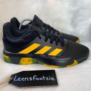 New Adidas Men's Pro Adversary Low Basketball Shoe